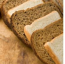 Sliced wholemeal and white bread